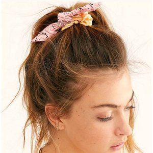 NWT Free People Lulu Mismatched Scrunchie